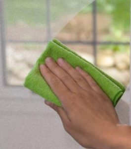 Glass cleaning microfibre cloth - Alpine Carpet & Tile Cleaning